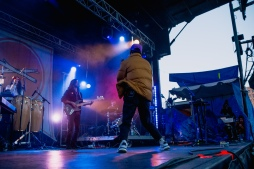 Toro Y Moi - Main Stage - Day 5-1353