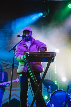 Toro Y Moi - Main Stage - Day 5-1415